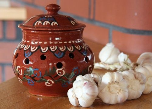 The garlic container