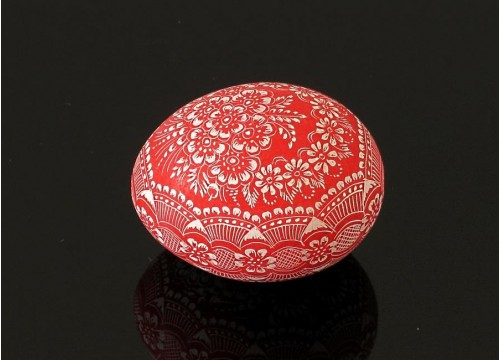 Czerwona kroszonka (na wydmuszce jaja kurzego)