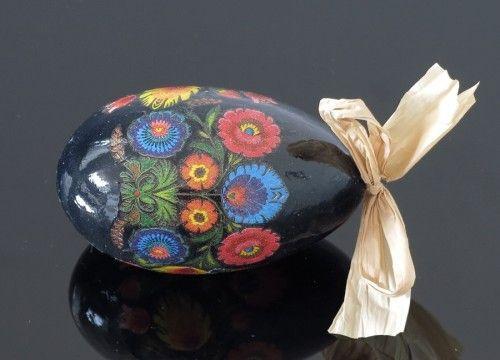 Pisanka z kwiatami łowickimi (na wydmuszce jaja gęsiego)