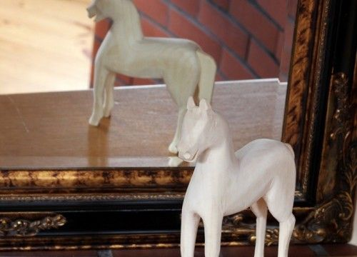 Pony (natural wood)