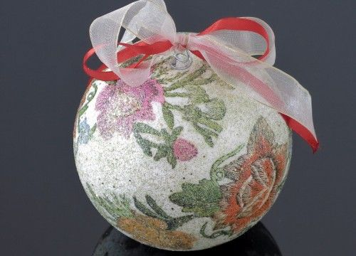 A big Lowicz embroidery Christmas ball (white)
