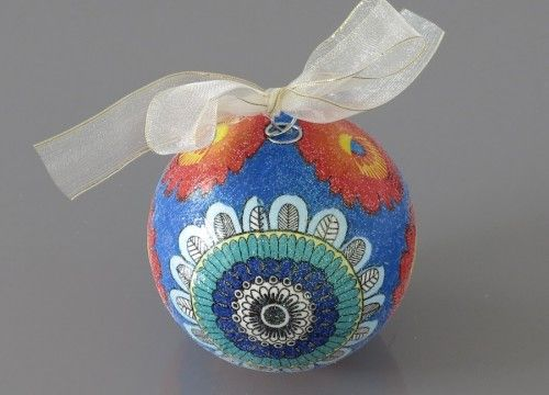 A turquoise flower Christmas ball