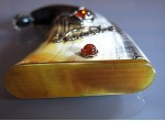 Snuffbox with an amber (1)
