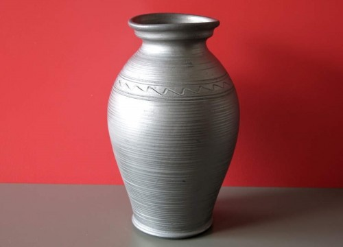 https://mypoland.com.pl/671-3969/grey-pottery-vase-tall.jpg