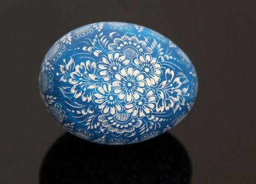 Blue kroszonka (created on basis of hen eggshell)