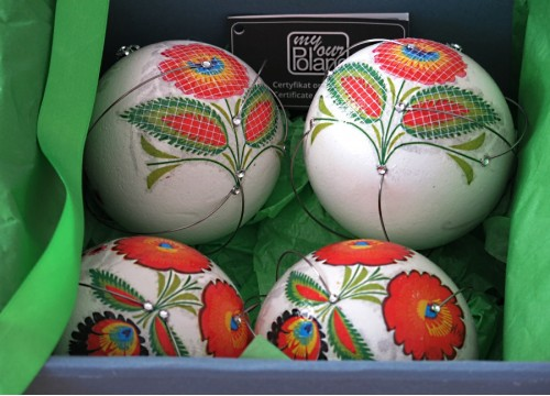 A Christmas set of Lowicz balls