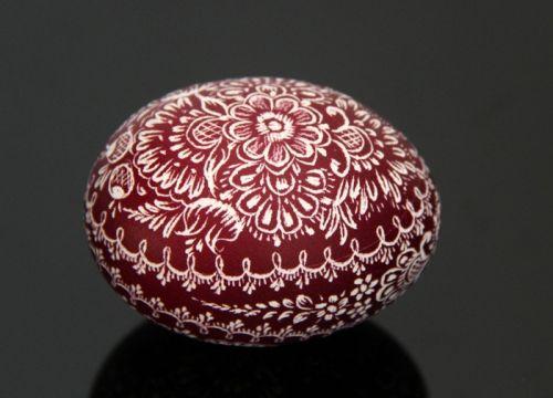 Brunatna kroszonka (na wydmuszce jaja kurzego)