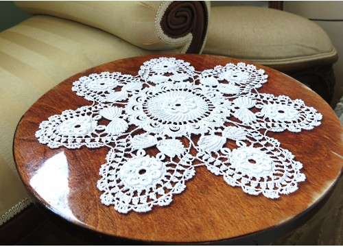 Lace from Koniakow with vegetable ornament  (white)