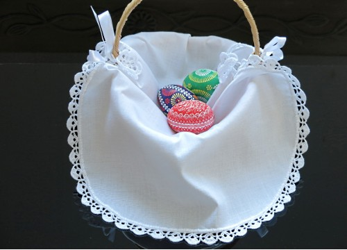 White serviette for Easter basket