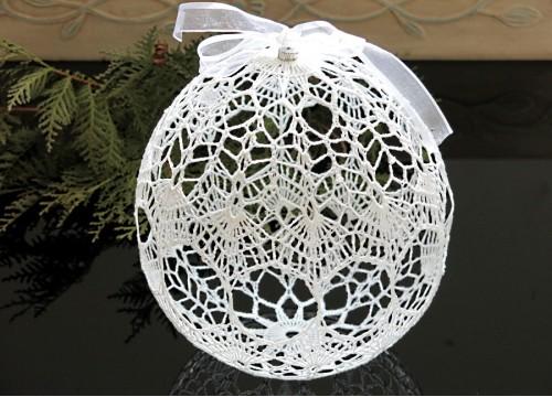 Big Christmas ball (Christmas ornament)