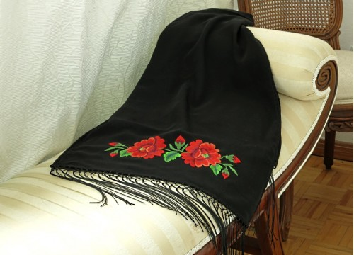 Big shawl with roses