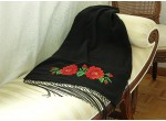 Czarny szal z różami