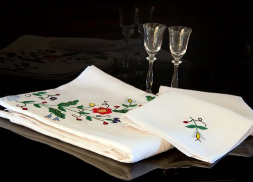 Table-linen with tulip
